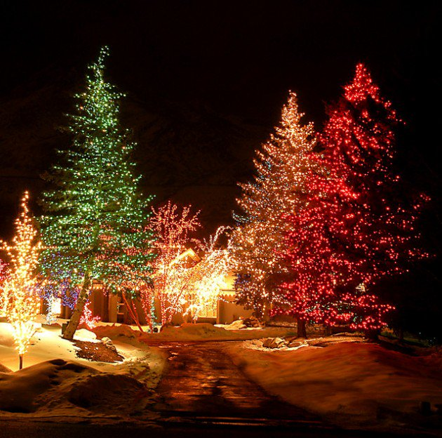 Hanging Outdoor Christmas Lights Youtube: 20 Awesome Outdoor Christmas Lighting Ideas That Make Your
